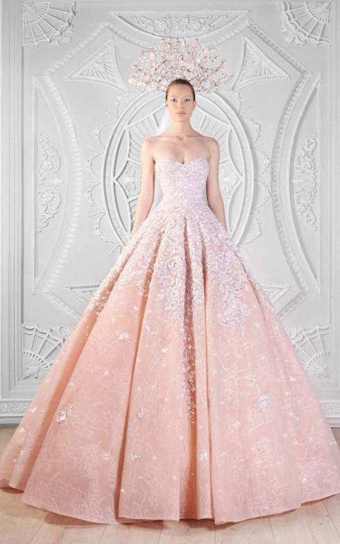 Màu hồng mang đến cho bạn cảm giác của một nàng công chúa.
