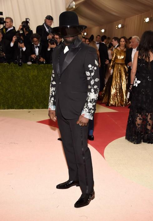 Will.I.Am trong trang phục Gucci