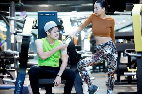 Người mẫu-DJ Tùng Anh biết đến F.Juice qua sự giới thiệu của cô bạn lại Thanh Hương