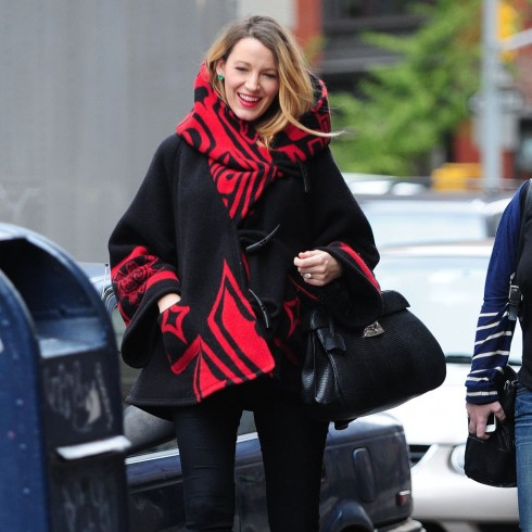 Blake-Lively-Pregnant-Wearing-Poncho-Street-Style