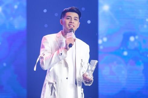 Noo Phước Thịnh giành giải Nam ca sĩ phong cách nhất năm