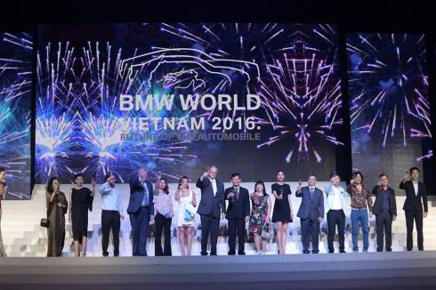 BMW World Vietnam 2016 đánh dấu hành trình 100 năm thương hiệu BMW trên toàn cầu.