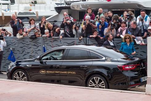 Renault Talisman sánh đôi cùng các ngôi sao tại liên hoan phim Cannes 2016