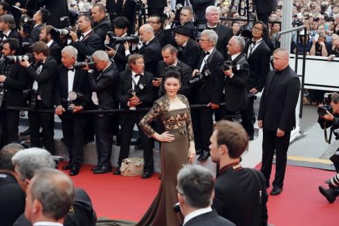 Lý Nhã Kỳ kiêu sa trên thảm đỏ Cannes 2016 02