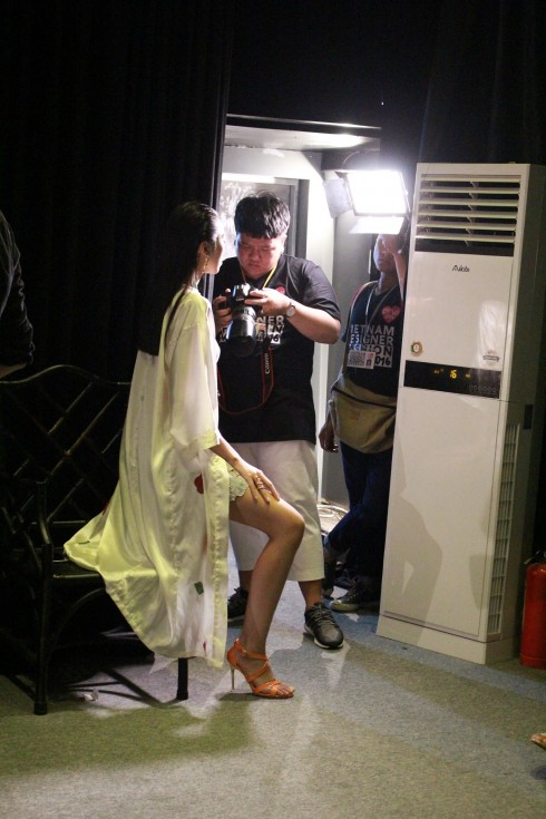 chuyen hau truong vietnam designer fashion week_ellevietnam1 (11)