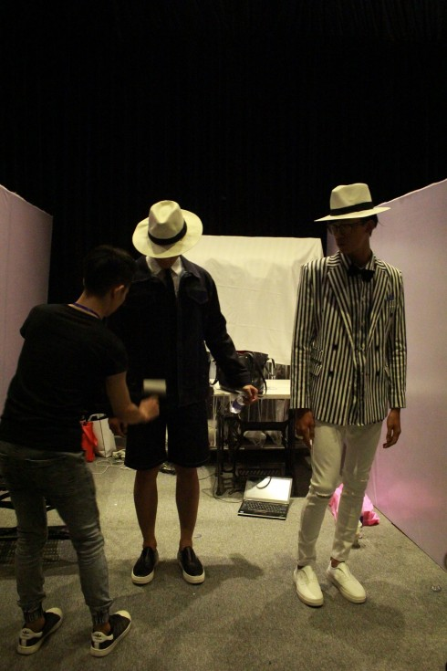 chuyen hau truong vietnam designer fashion week_ellevietnam1 (2)