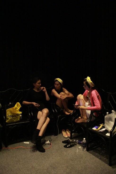 chuyen hau truong vietnam designer fashion week_ellevietnam1 (21)