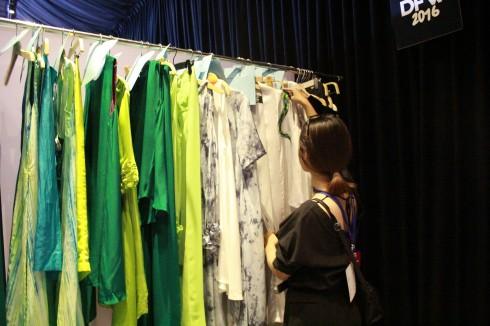 chuyen hau truong vietnam designer fashion week_ellevietnam1 (8)