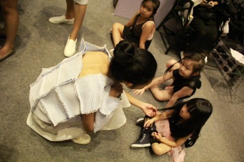 chuyen hau truong vietnam designer fashion week_ellevietnam1 (7)