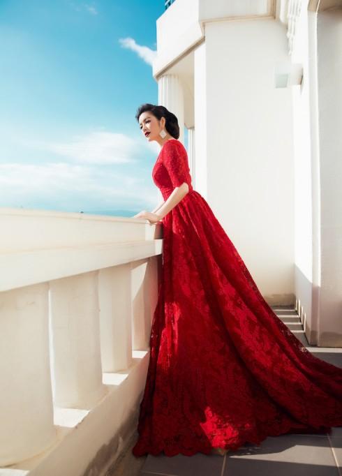 Lý Nhã Kỳ nổi bật với sắc đỏ cổ điển tại Cannes 2016 1