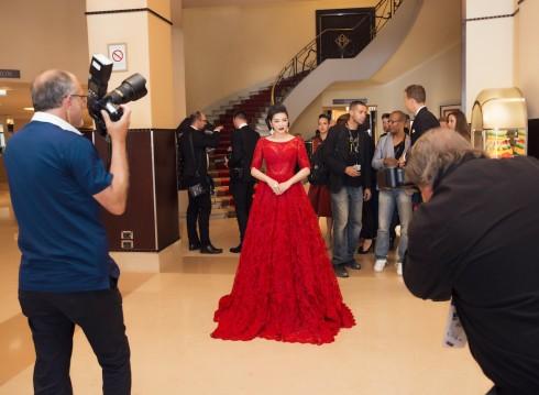 Lý Nhã Kỳ nổi bật với sắc đỏ cổ điển tại Cannes 2016 05