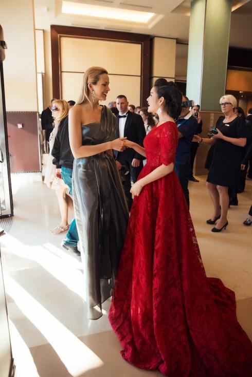 Lý Nhã Kỳ nổi bật với sắc đỏ cổ điển tại Cannes 2016 08