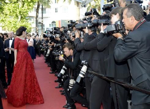 Lý Nhã Kỳ nổi bật với sắc đỏ cổ điển tại Cannes 2016 14