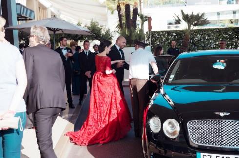 Lý Nhã Kỳ nổi bật với sắc đỏ cổ điển tại Cannes 2016 16