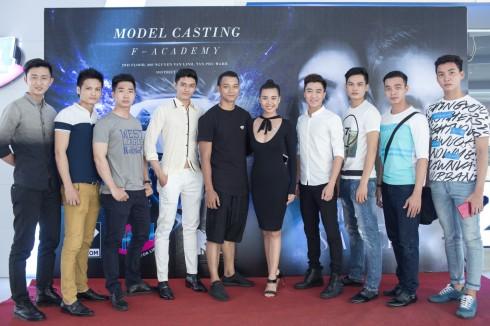 126 người mẫu tham gia sự kiện thành phố áo dài - ellevietnam 14<br/>126 nguoi mau tham gia su kien thanh pho ao dai - ellevietnam 14
