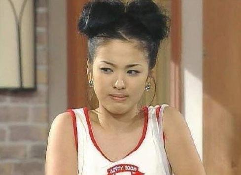 Kiểu tóc ấn tượng của Song Hye Kyo qua từng thời kì - ELLE Việt Nam (1)