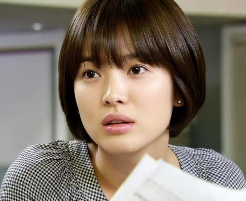 Kiểu tóc ấn tượng của Song Hye Kyo qua từng thời kì - ELLE Việt Nam (8)