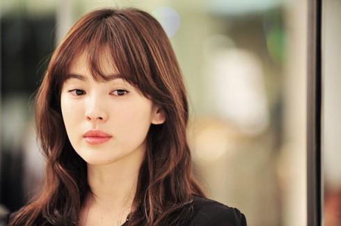 Kiểu tóc ấn tượng của Song Hye Kyo qua từng thời kì - ELLE Việt Nam (9)