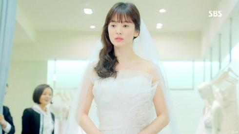 Kiểu tóc ấn tượng của Song Hye Kyo qua từng thời kì - ELLE Việt Nam (10)