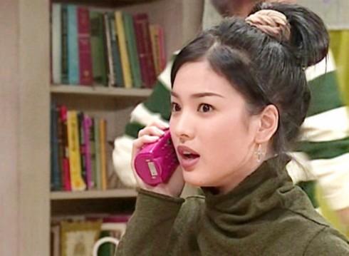 Kiểu tóc ấn tượng của Song Hye Kyo qua từng thời kì - ELLE Việt Nam (2)