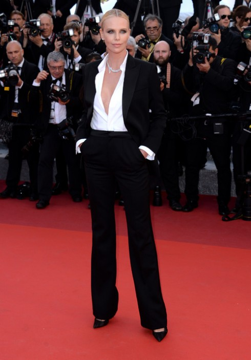Charlize Theron<br/>Dior Couture Trang sức: Cartier