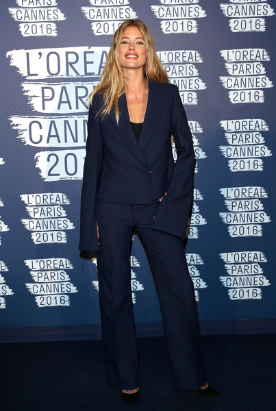 Những khoảnh khắc sao diện vest nữ đẹp Doutzen Kroes - Calvin Klein