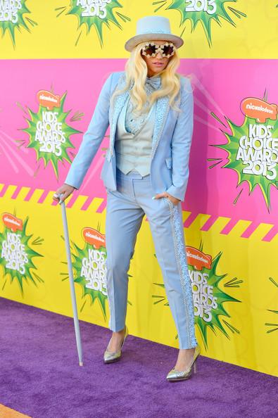 Những khoảnh khắc sao diện vest nữ đẹp Kesha