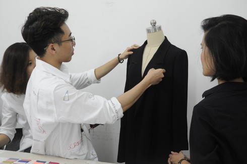 Bộ sưu tập thời trang WEPHOBIA x HOANGKU - ellevietnam 02