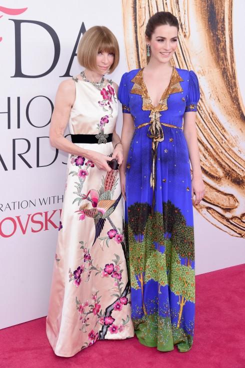 Anna Wintour và Bee Shaffer trong thiết kế của Gucci