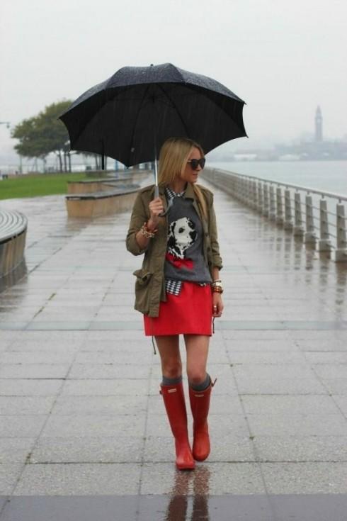 8 cách phối đồ sành điệu cho ngày mưa - ellevietnam 14