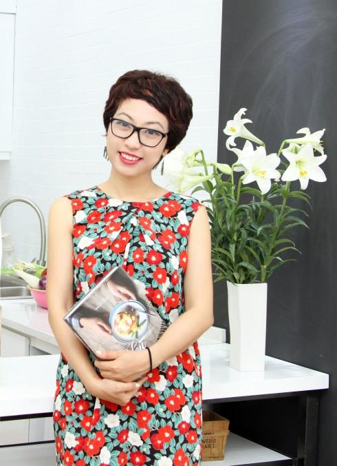 Người đồng hành cùng các bé không ai xa lạ, chính là food blogger nổi tiếng Phan Anh Esheep, là tác giả của cuốn sách dạy nấu ăn Best-seller Esheep Kitchen