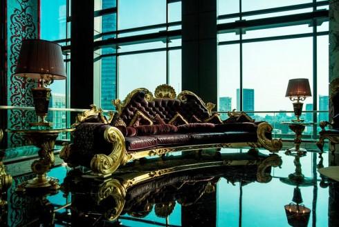 Mẫu ghế của olombostile được coi là tác phẩm trưng bày chính ở sảnh khách sạn 6 sao The Reverie Saigon.
