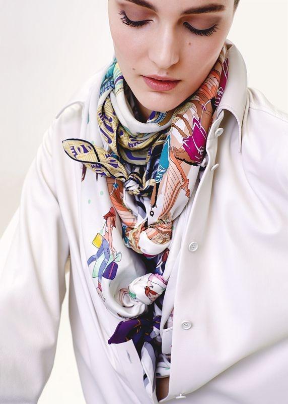 Các hoa văn tuyệt đẹp trên chiếc khăn lụa Hermès nghìn đô