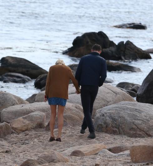 Taylor Swift lộ ảnh hẹn hò ngọt ngào với Tom Hiddleston 10