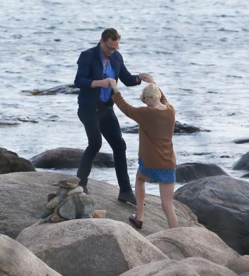 Taylor Swift lộ ảnh hẹn hò ngọt ngào với Tom Hiddleston 11