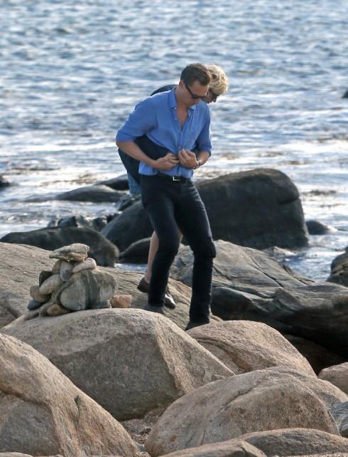 Taylor Swift lộ ảnh hẹn hò ngọt ngào với Tom Hiddleston 13