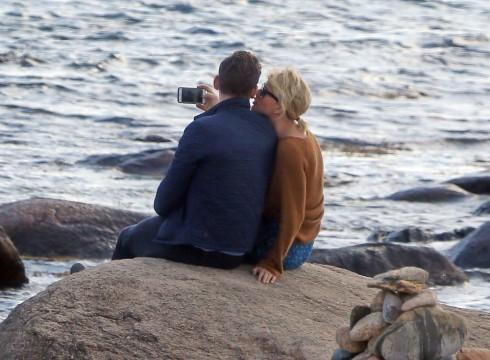 Taylor Swift lộ ảnh hẹn hò ngọt ngào với Tom Hiddleston 5