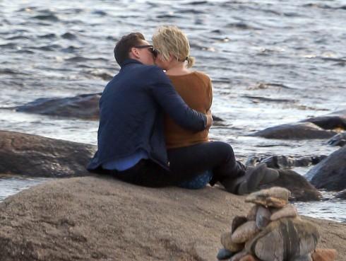 Taylor Swift lộ ảnh hẹn hò ngọt ngào với Tom Hiddleston 2
