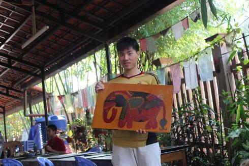 Lê Xuân Lãm, một trong bốn nghệ sĩ trẻ có mặt tại triển lãm lần này với những tác phẩm lấy cảm hứng từ thiên nhiên
