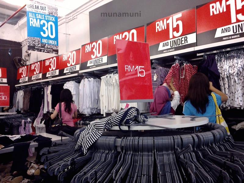 Không chỉ là điểm du lịch thú vị, Malaysia còn là một điểm dừng chân mua sắm vô cùng lý tưởng.