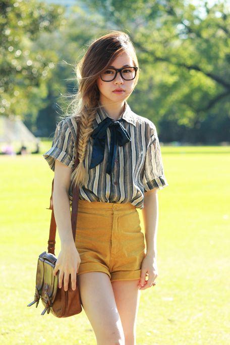 Phong cách thời trang Geek Chic với quần lưng cao