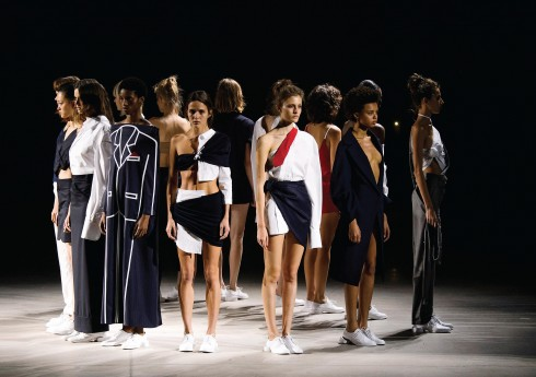 thế giới thời trang: Show diễn Xuân-Hè 2016 của Jacquemus