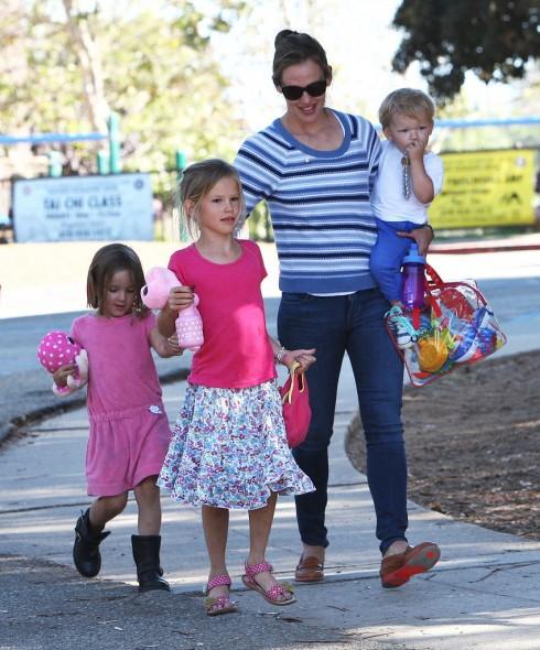 Ngôi sao Hollywood Jennifer Garner và các con