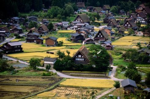 Làng Shirakawa là nơi tác giả Fujiko Fujio sáng tác bộ truyện tranh Đôrêmon