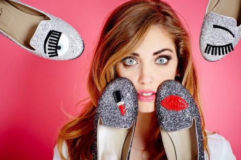 Cô cũng có BST giày mang tên mình với thiết kế trẻ trung, đáng yêu.