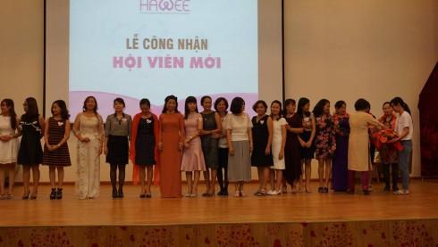 Lễ kết nạp hội viên tại Ngày hội Gia đình HAWEE 2016.
