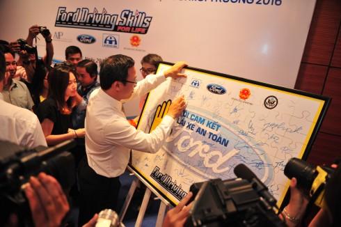 Ford mở rộng và trẻ hóa đối tượng đào tạo miễn phí nhằm giảm thiểu các nguy cơ tai nạn giao thông ngày càng tăng ở nhóm đối tượng trẻ tuổi.