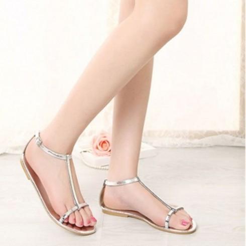 6 kiểu giày sandal nữ đẹp dành cho mùa Hè 11