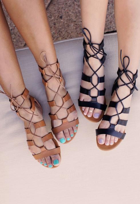 Sandal lace up cho mùa Hè