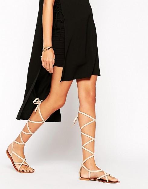 Sandal lace up dành cho mùa Hè